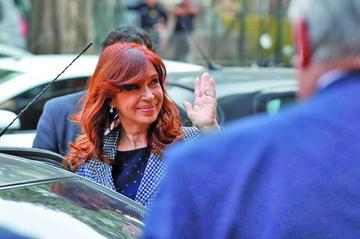 Pese a más acusaciones Cristina Fernandez se declara inocente