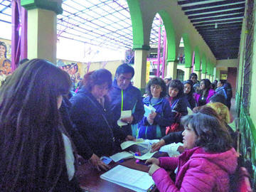 Los maestros urbanos eligen hoy a delegados a un congreso nacional