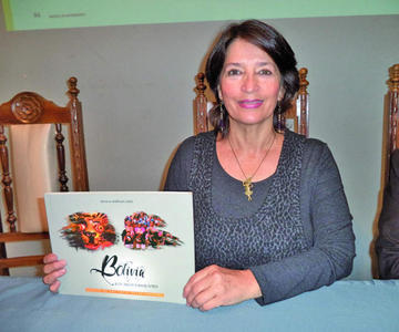 Ballivián revela danzas de Bolivia