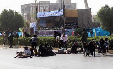 Atentado terrorista en desfile militar deja 25 muertos en Irán