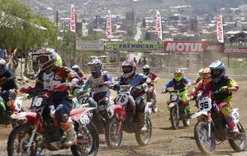 El corredor Marco Antezana gana la sexta prueba nacional de motociclismo