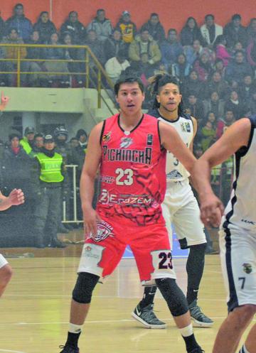 Calero se refuerza con René Calvo y Pedro Gutiérrez
