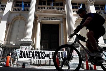 Sindicatos piden a Macri cambiar rumbo de su politica económica