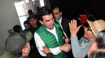 Ratifican detención domiciliaria para el alcalde José María Leyes