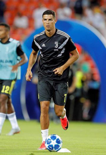 Juventus y Nápoles van por los tres puntos