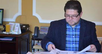 Vocal José Luis Exeni renuncia al TSE aquejado por una enfermedad