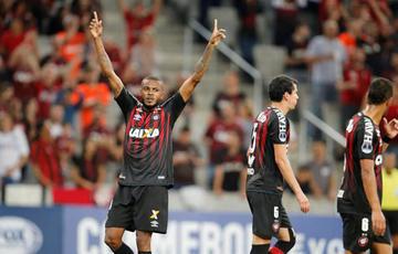 Paranaense elimina a Caracas de la Copa