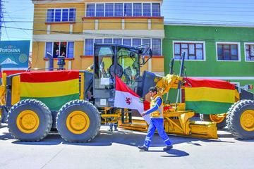 Invierten Bs 12 millones en equipo pesado para el Sedeca de Potosí