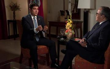 Presidente de Costa Rica dice que permanecer en el poder es una enfermedad