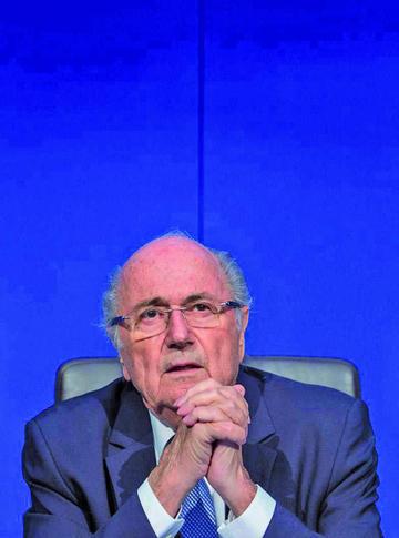 Blatter y Platini cumplen tres años de castigo