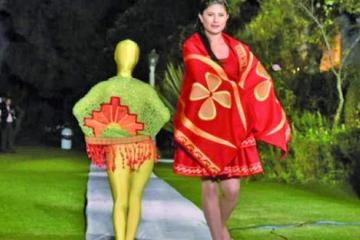 Bolivia va a París con moda y la arquitectura aimara