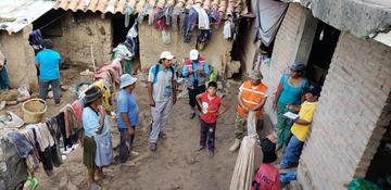 Riada destruye cinco casas y puso en riesgo una unidad educativa