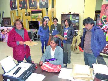 Presentan trabajos al premio Abaroa