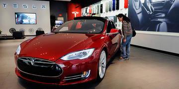 Empresas buscan construir autos con baterías de litio en Bolivia