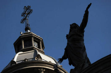 Iglesia en Chile expulsa a dos exobispos por abusos sexuales
