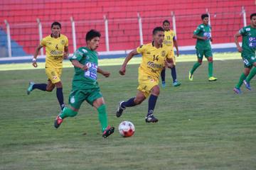 Palmeiras y Rosario disputan un partido sin tregua