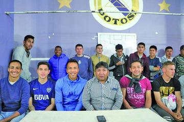 Jugadores de Real dan su respaldo a Calixto Santos