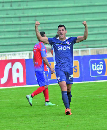 Royal Pari gana en Sucre y complica a un más a Universitario