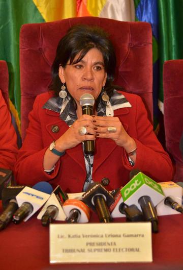 """Katia Uriona renuncia y alerta que """"el TSE se ha estancado"""""""
