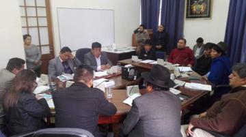 Comisión de Diputados aprueba ley para cubrir las acefalías en el TSE