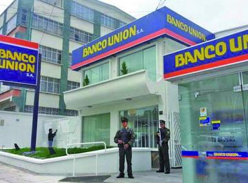 Senador opositor revela que hay altos sueldos en el Banco Unión