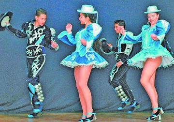 Caporales se ven en Buenos Aires