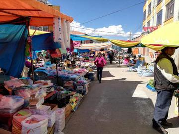 Comerciantes desobedecen a la autoridad y venden en la Sevilla
