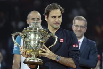 Roger Federer gana el título en Basilea por novena vez tras vencer a Marius Copil