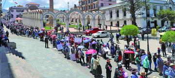 Comerciantes trasladan conflicto de la feria al aniversario cívico