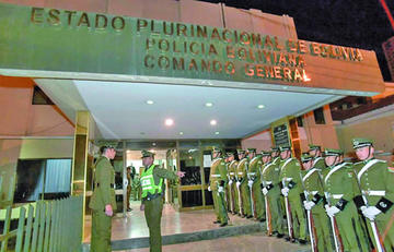 Policía sube en más del 100 % el costo de 30 papeletas valoradas