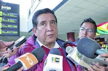 Salinas pedirá que Farías no dirigirá amistosos