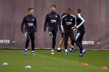 Barcelona defiende su liderato ante Rayo