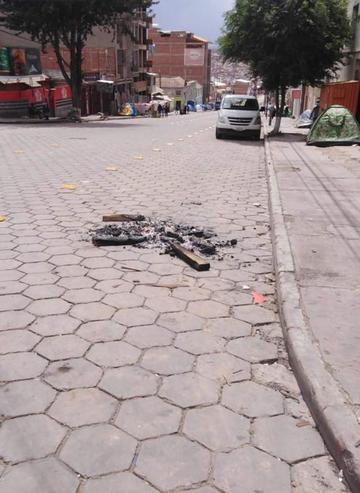 Vecinos piden frenar quema de gomas en diferentes vías