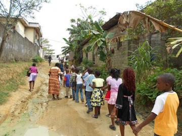 Secuestran a 79 estudiantes y a dos profesores en Camerún