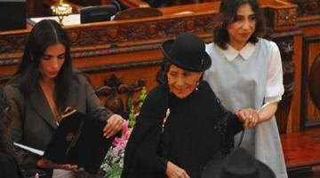 Remedios Loza recibe homenaje de Diputados
