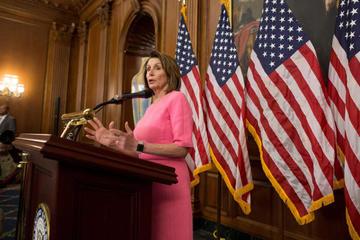 """Trump amenaza con """"guerra"""" a los demócratas si le investigan"""