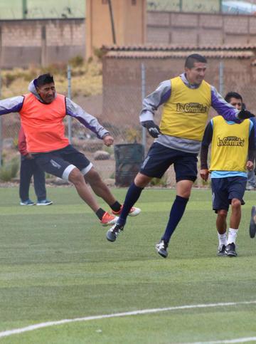 Leguizamón y Méndez se van a los golpes en plena práctica del equipo lila