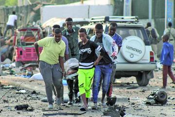Un atentado con coches bomba provoca 14 fallecidos en Somalia