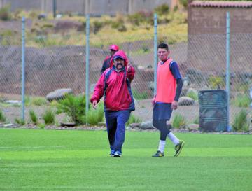 El técnico Apaza le da su confianza a Saldías para suplir a Garnica