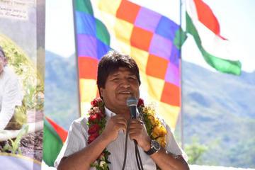 Evo Morales pide a las organizaciones que le defiendan y marchen por él