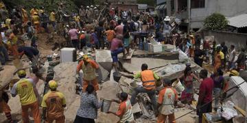 Se eleva a 14 los fallecidos por deslizamiento en Brasil
