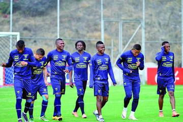 Ecuador se alista para jugar con Perú