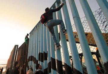 Surgen tensiones en Tijuana y el Gobierno pide calma a migrantes