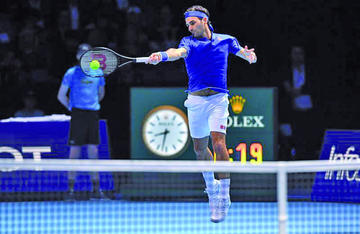 Federer se enfrenta a su alumno Zverev