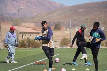 Apaza espera por la recuperación de Santillán, Vargas y Mealla