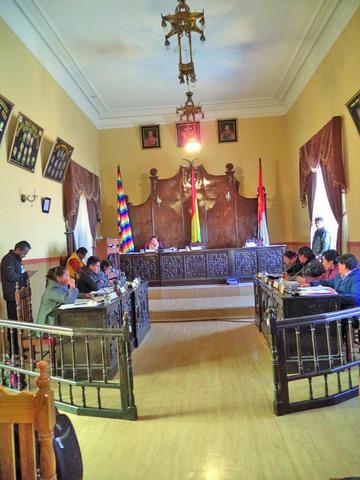 Concejales aprueban la refacción del Liceo Potosí