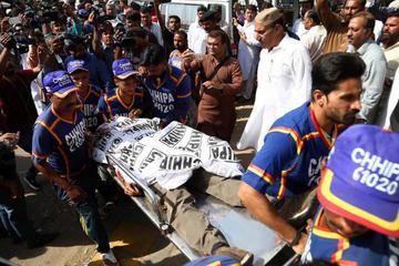 Asalto y atentado provocan 38 personas muertas en Pakistán