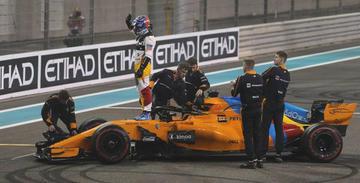 """Alonso: """"Hamilton y Vettel tuvieron un detalle de grandes campeones"""""""