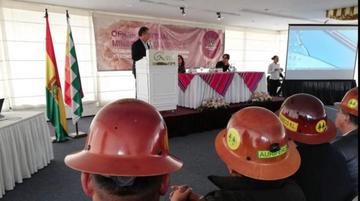 Transparentarán 8 mil contratos mineros a municipios y gobernaciones