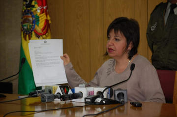 Notarios informarán a la UIF compra y venta de bienes inmuebles